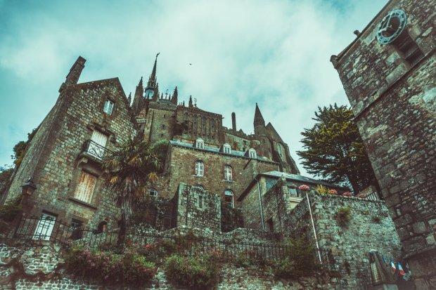 Visit-actual-haunted-site